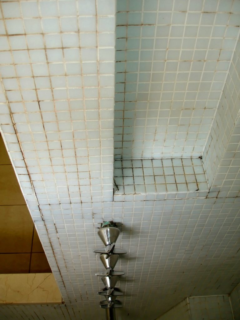 EPG Mosaic tile shower 1/4
